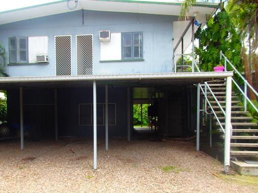 2/34 Coral Street, Saunders Beach, Qld 4818