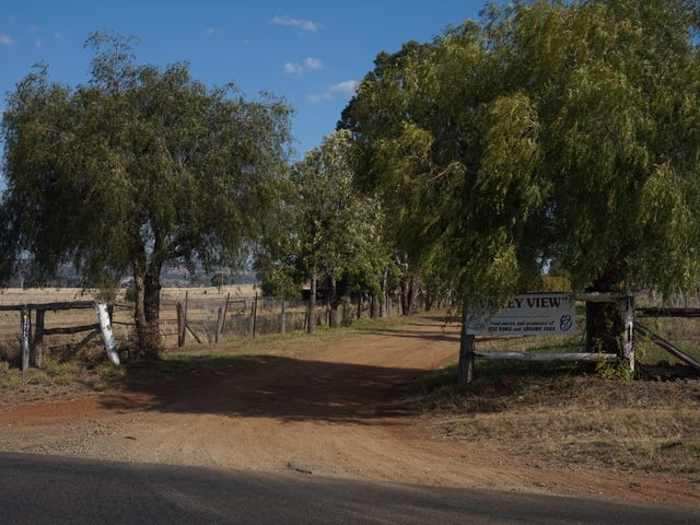 'Valley View'  372 Goombungee-Meringandan Rd, Goombungee, Qld 4354