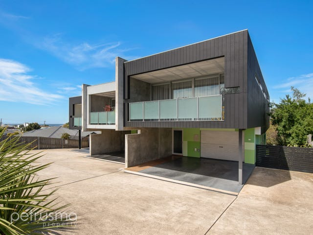 1/8 Wells Parade, Blackmans Bay, Tas 7052