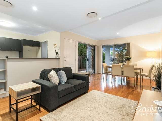 1/82 Clarence Road, Indooroopilly, Qld 4068