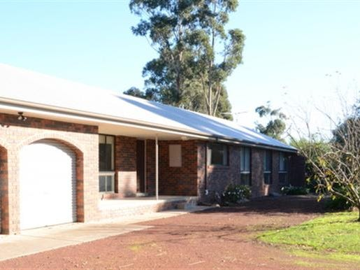 81 Willowbank Road, Gisborne, Vic 3437