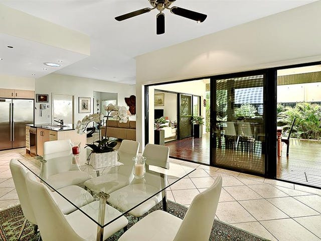2/9A Greer Terrace, Southport, Qld 4215