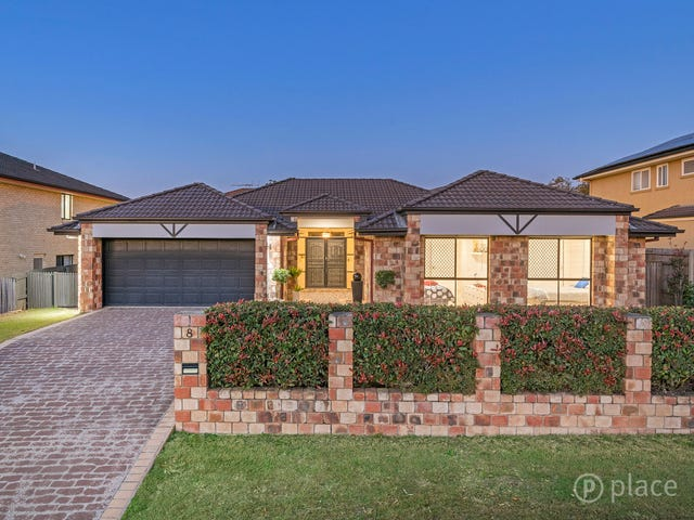 8 Mitchell Place, Parkinson, Qld 4115
