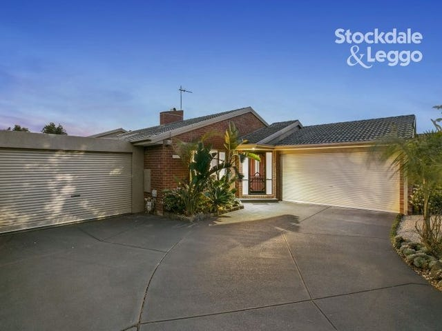 152 LAWLESS DRIVE, Cranbourne North, Vic 3977