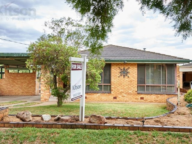 18 Fairbairn Crescent, Kooringal, NSW 2650