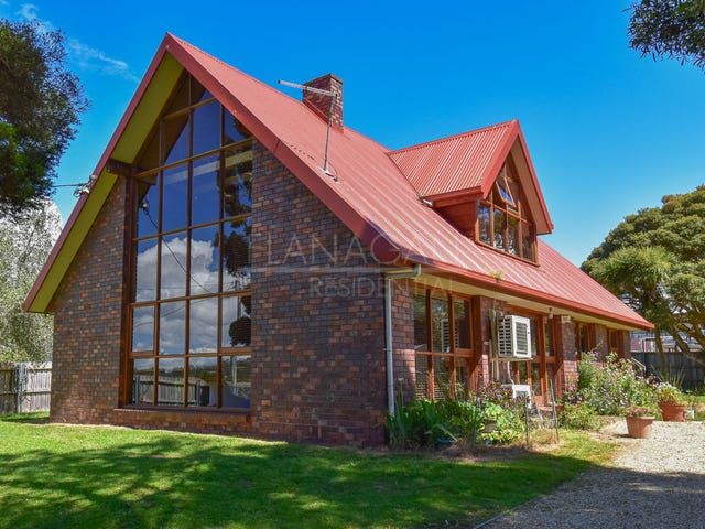 61 Beach Road, Gravelly Beach, Tas 7276