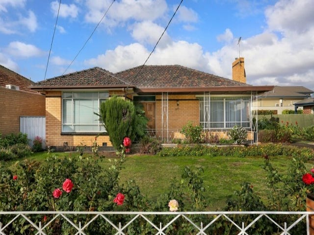 28 Watt Avenue, Oak Park, Vic 3046