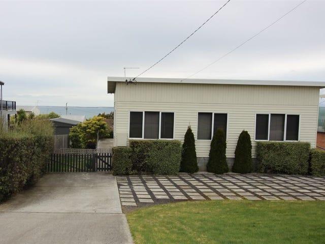 8 Richard St, Bridport, Tas 7262