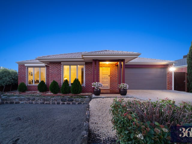 18 Redcliffe Terrace, Taylors Hill, Vic 3037