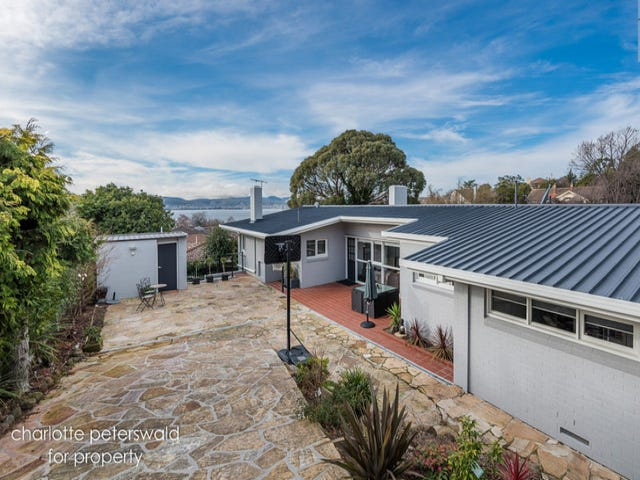 5 Heathcombe Crescent, Sandy Bay, Tas 7005