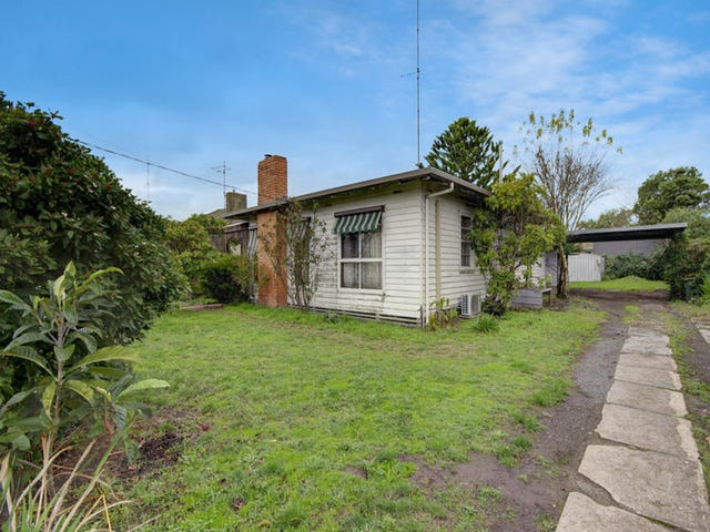 16 Churchill Square, Colac, Vic 3250