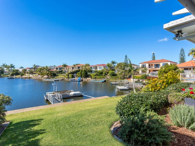 13 St Martin Place, Clear Island Waters, Qld 4226