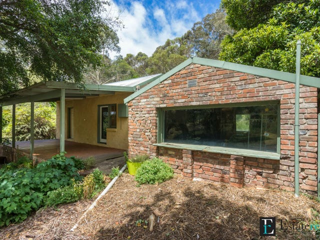 8-10 Lewis Street, Captains Flat, NSW 2623