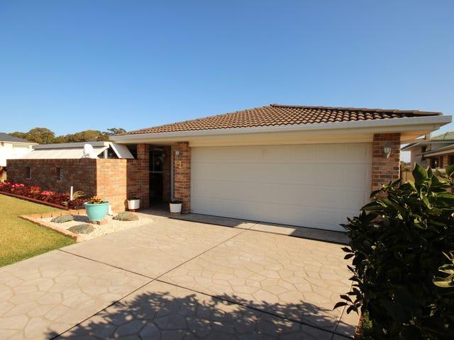 1/1 Wamara Crescent, Forster, NSW 2428