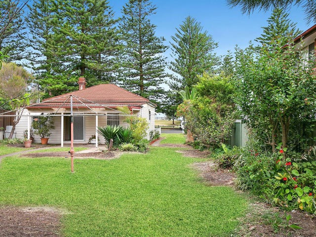 43 The Esplanade, Thirroul, NSW 2515