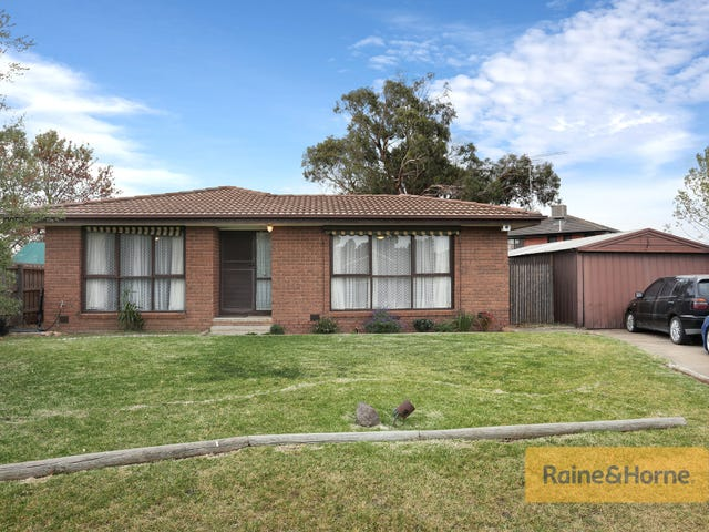 4 Floreat Place, Melton West, Vic 3337