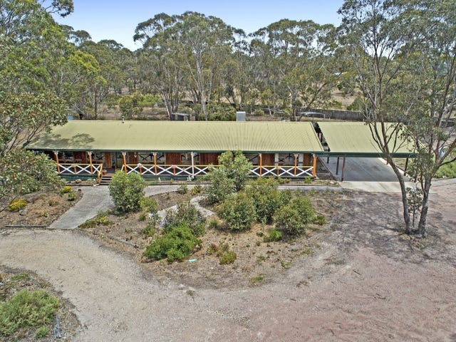 15 Greenhood Court, Long Forest, Vic 3340