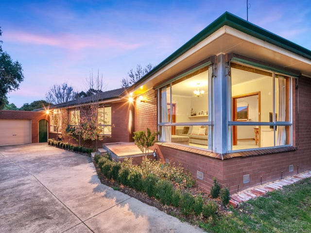 4 Glendale Court, Lake Wendouree, Vic 3350