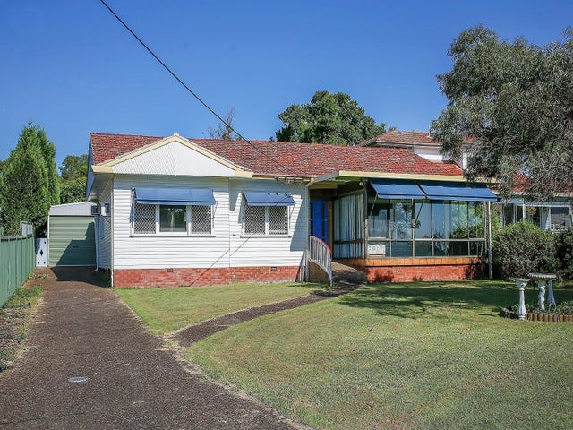 8 First Street, Booragul, NSW 2284