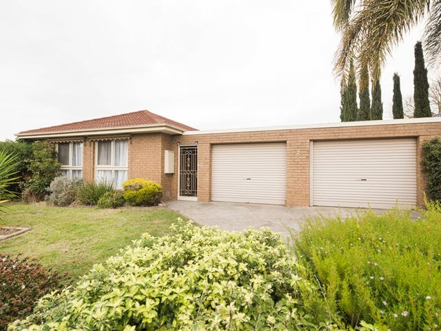 2 Saintsbury Crescent, Dandenong North, Vic 3175