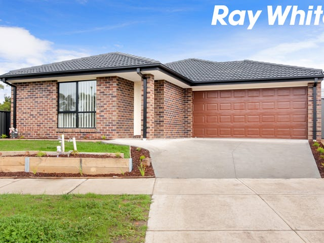 33 Pinnacle Drive, Pakenham, Vic 3810