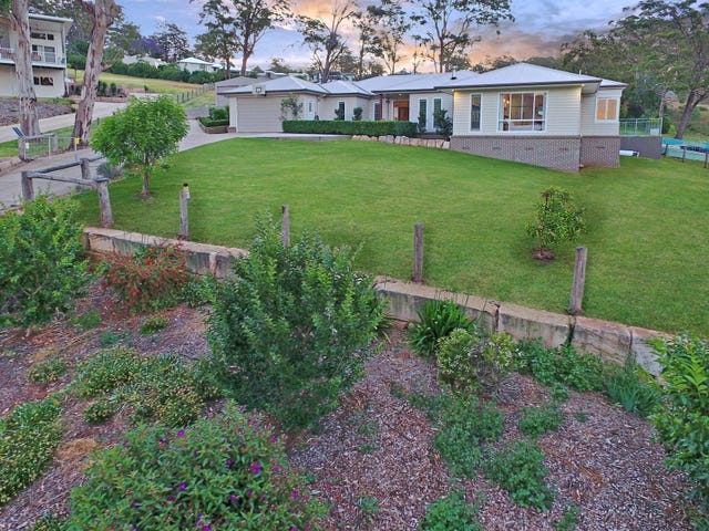 13 Zuccoli Drive, Blue Mountain Heights, Qld 4350