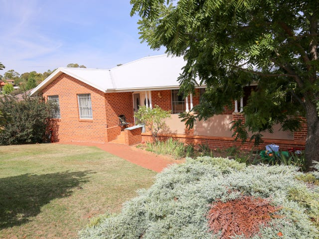25 Kurumben Place, West Bathurst, NSW 2795