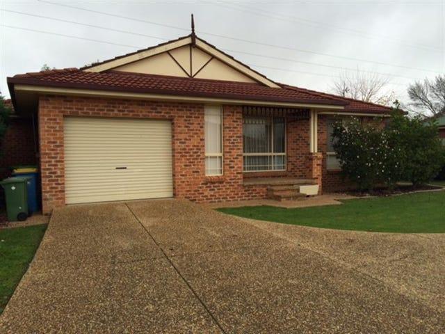 1/8 Malebo Pl, Tatton, NSW 2650