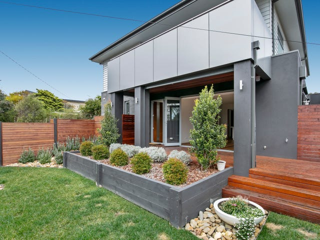 1/33 Strachans Road, Mornington, Vic 3931