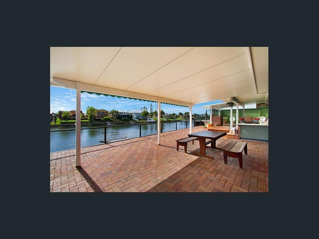 16 Claymore Crescent, Sorrento, Qld 4217