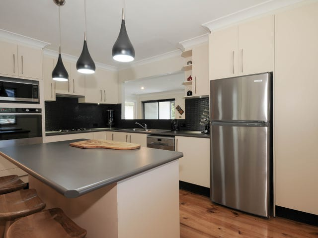 8 Hilltop Rise, Launching Place, Vic 3139