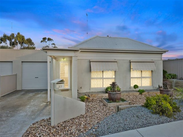 2/3 Cartledge Avenue, Mount Clear, Vic 3350