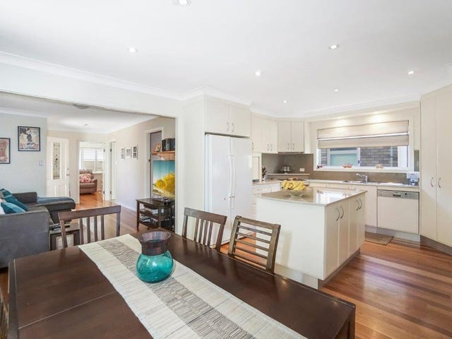 10 Jindabyne Crescent, Peakhurst Heights, NSW 2210