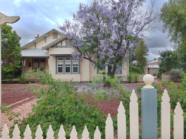 44 Devereux Street, Warracknabeal, Vic 3393