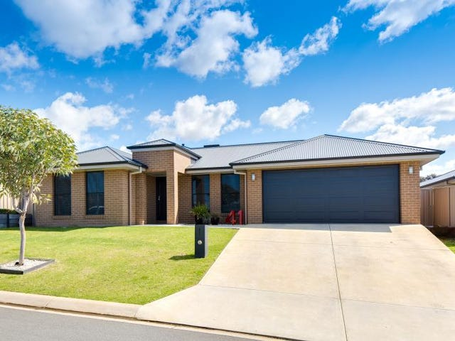 41 Lawson Circuit, Lavington, NSW 2641