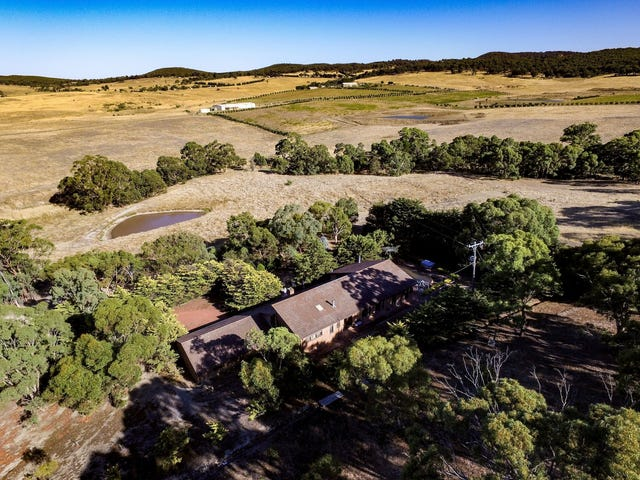135 McPherson Road, Toolern Vale, Vic 3337