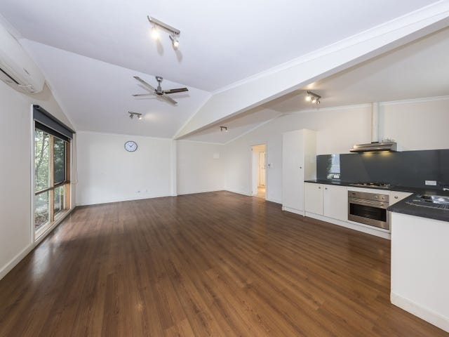 North Warrandyte, address available on request