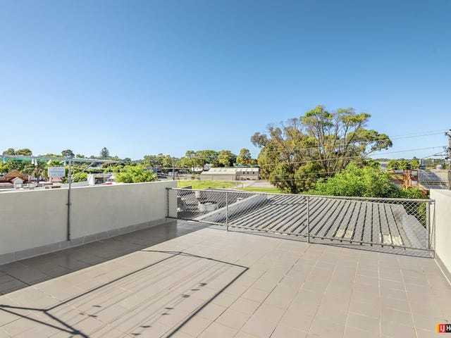 1/135 Beach Street, Frankston, Vic 3199