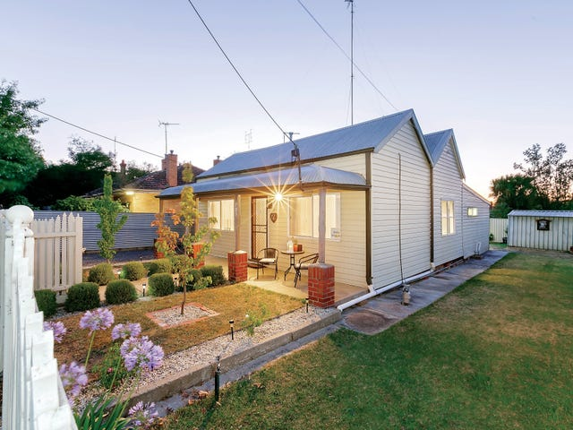 703 Armstrong Street North, Soldiers Hill, Vic 3350