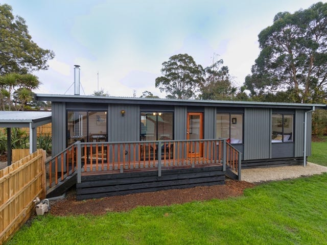 21 Russell Avenue, Woodend, Vic 3442