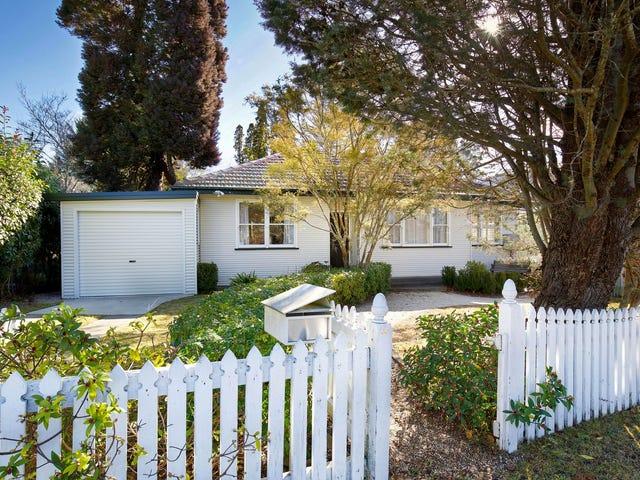 60 Blaxland Road, Wentworth Falls, NSW 2782