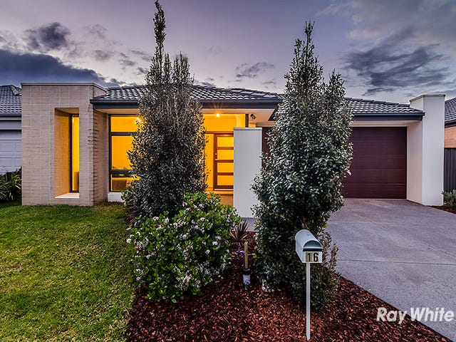 16 Lusitano Way, Clyde North, Vic 3978