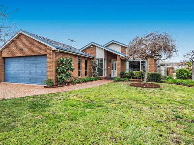 2 Honeyeater Crescent, Taylors Lakes, Vic 3038