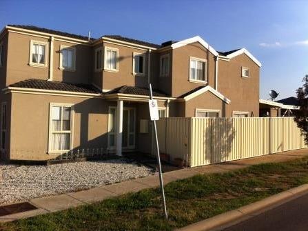 10 Kim Lane, Melton West, Vic 3337