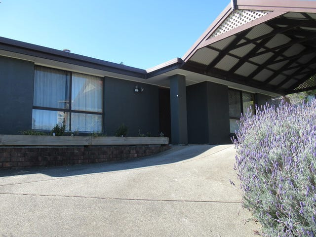8 Barndoo Street, Hallett Cove, SA 5158