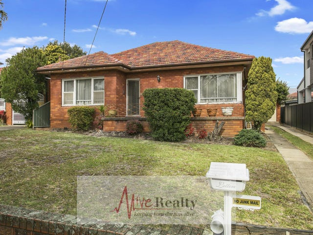30 Greenway  Parade, Revesby, NSW 2212
