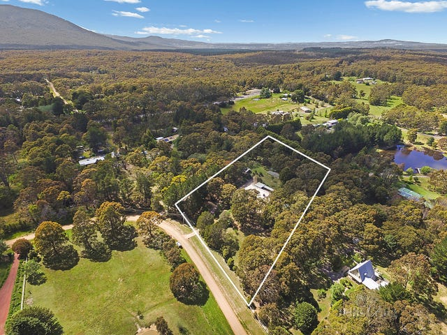 33 Strathclyde Crescent, Woodend, Vic 3442