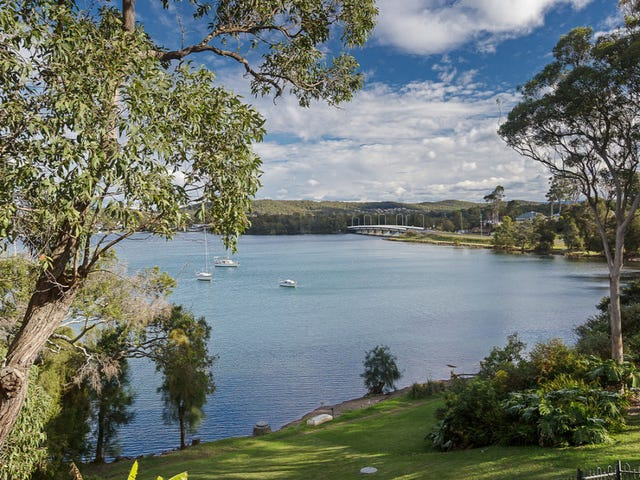 10 Blandford Street, Fennell Bay, NSW 2283