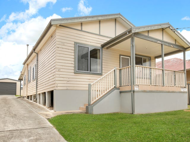 37 Urunga Parade, West Wollongong, NSW 2500