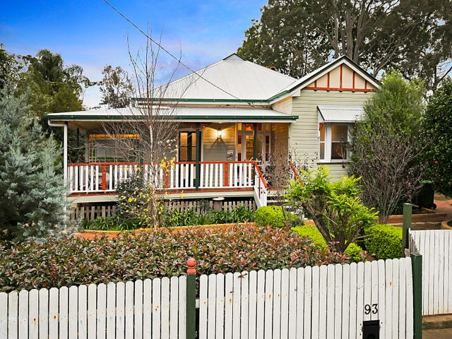 93 Bridge Street, Mount Lofty, Qld 4350